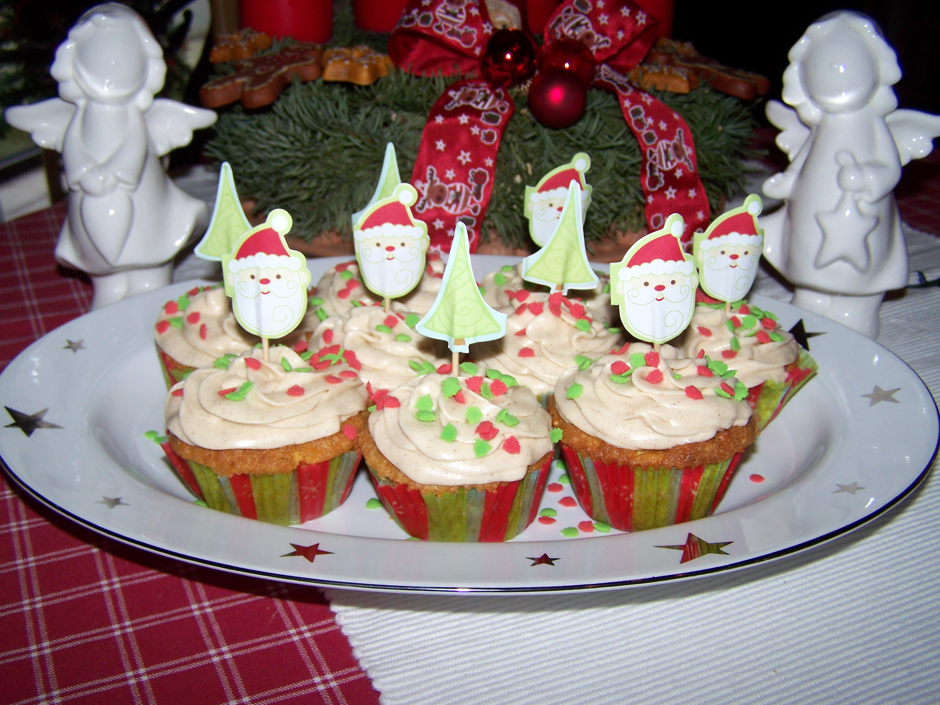 3 advent apfel zimt cupcakes mit zimtfrischk sefrosting. Black Bedroom Furniture Sets. Home Design Ideas